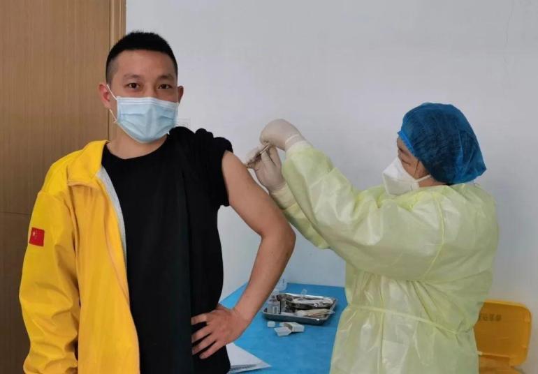 """美疫苗被爆""""致命漏洞"""",关键时刻,日本有钱人偷偷接种中国疫苗"""