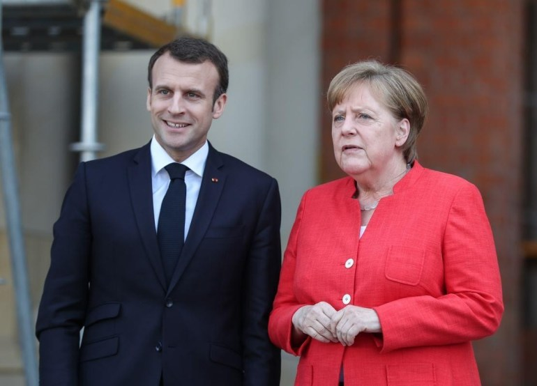 """欧洲""""三巨头""""愁了?约翰逊身陷丑闻,马克龙和默克尔被""""逼宫"""""""