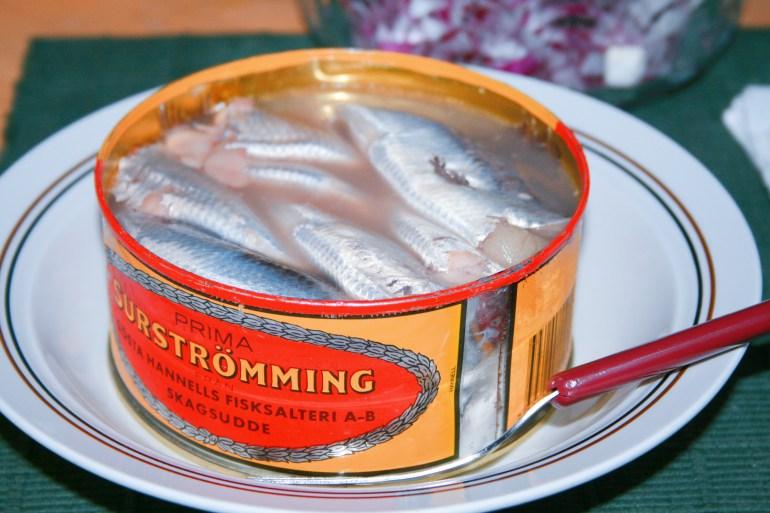 难以接受的鲱鱼罐头,却是瑞典人的救命稻草,每年能吃900吨
