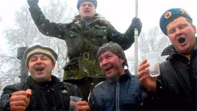 """中国叫俄罗斯""""战斗民族"""",那俄罗斯是怎么叫中国的?"""