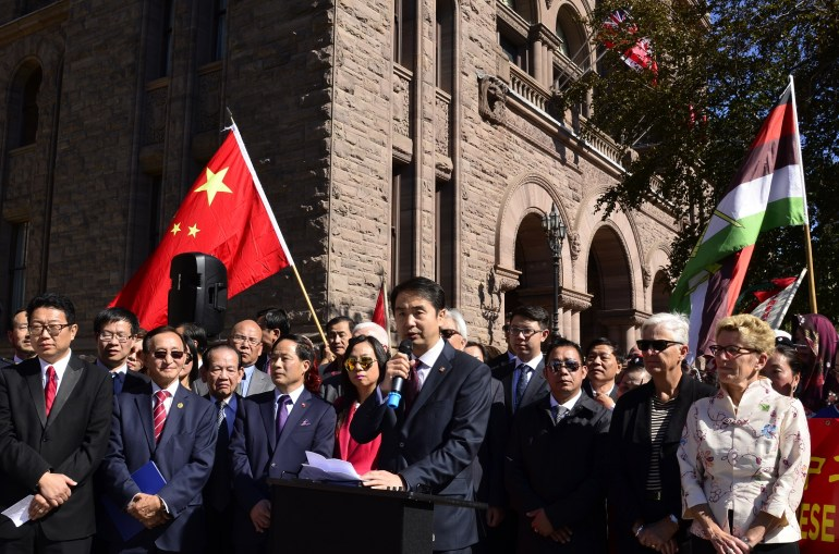 让人失望!大批华人被加拿大遣返,华为挣的脸都被丢光了