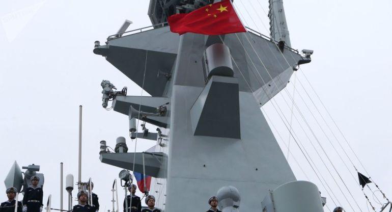 日本10万人军演启动,日媒称瞄准台海和钓鱼岛,中国舰队从旁经过