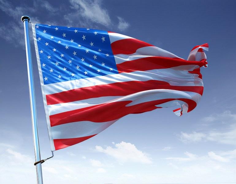 """美国主持人:在过去20年中,美国""""向前迈了一大步,然后又后退了两大步"""""""