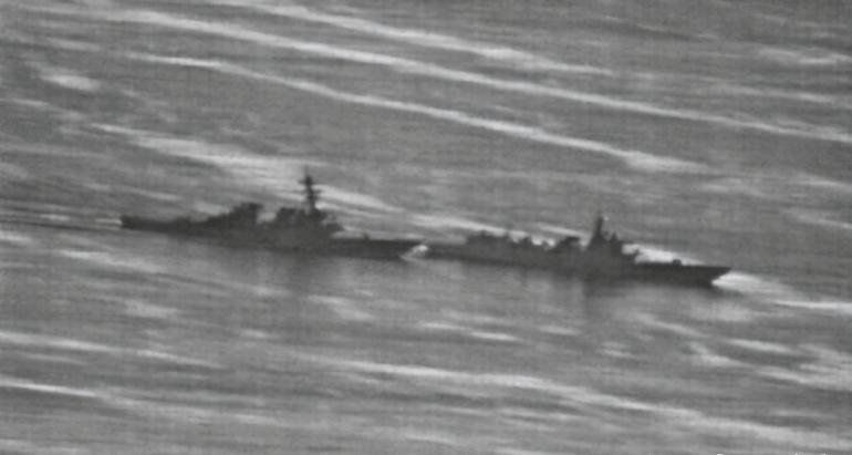 若被击沉概不负责!美军舰南海挑战中国新法,解放军主动出击驱离