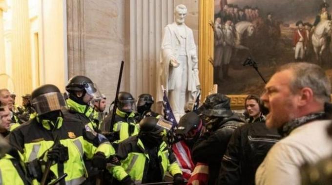 美国会警方提请对国会山骚乱事件中六起警察违纪事件相关人员进行处分