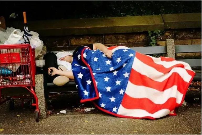 美国酿下的苦果来了,自认为离职潮是好事,实则是美国已经瘫痪