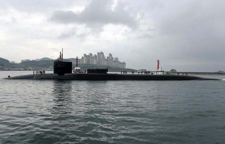 """2017年4月对韩国进行""""日常停靠""""的美国海军巡航导弹核潜艇""""密歇根""""号"""