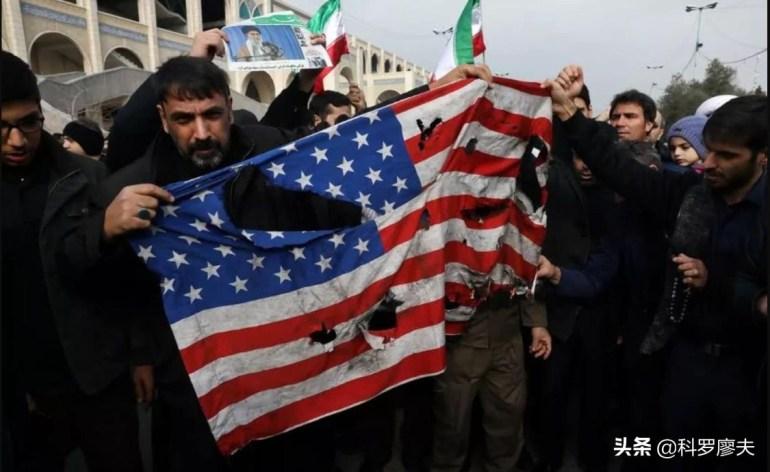 风向变了!美国突然想谈判,伊朗直接叫板:先把钱还了再谈核武器