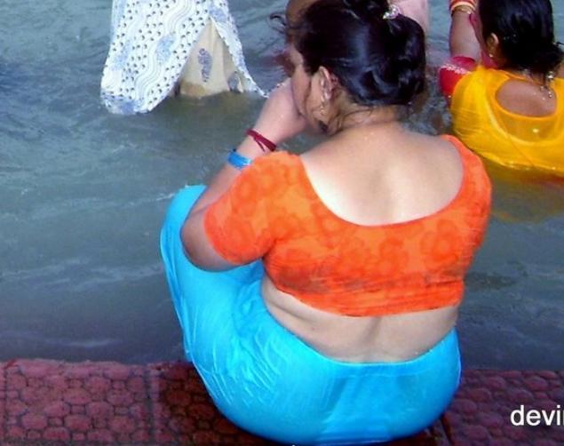 nude beautiful babhi in peticoat