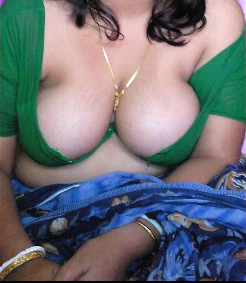 Sexy bhabhi saree photo-3708