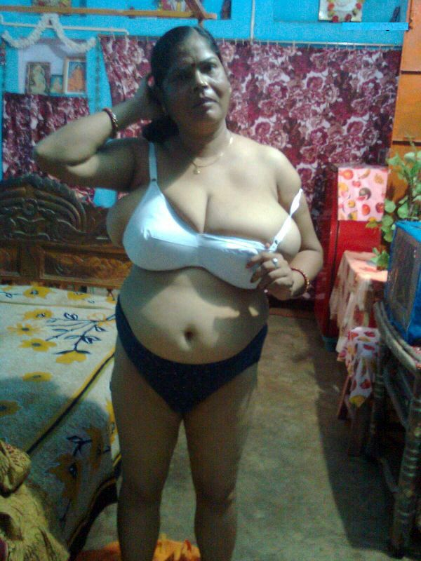 Indian Sexy Naked Bra Fat Aunties - Very Fat Big Boobs Women-4463
