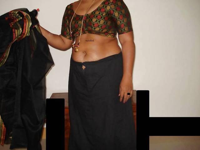 Bihari wives lifting petticoat sex