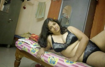Indian aunty saree removed sex