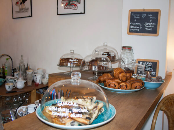 Back to Black Amsterdam hotspot voor koffie , lunch of taart
