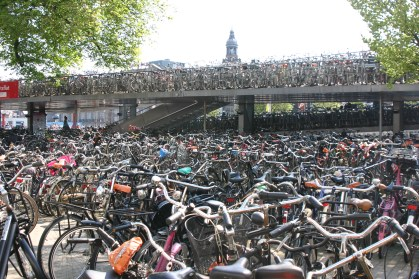 bicycle parking amsterdam central station
