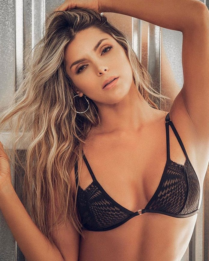 Karla García HotSweetHome