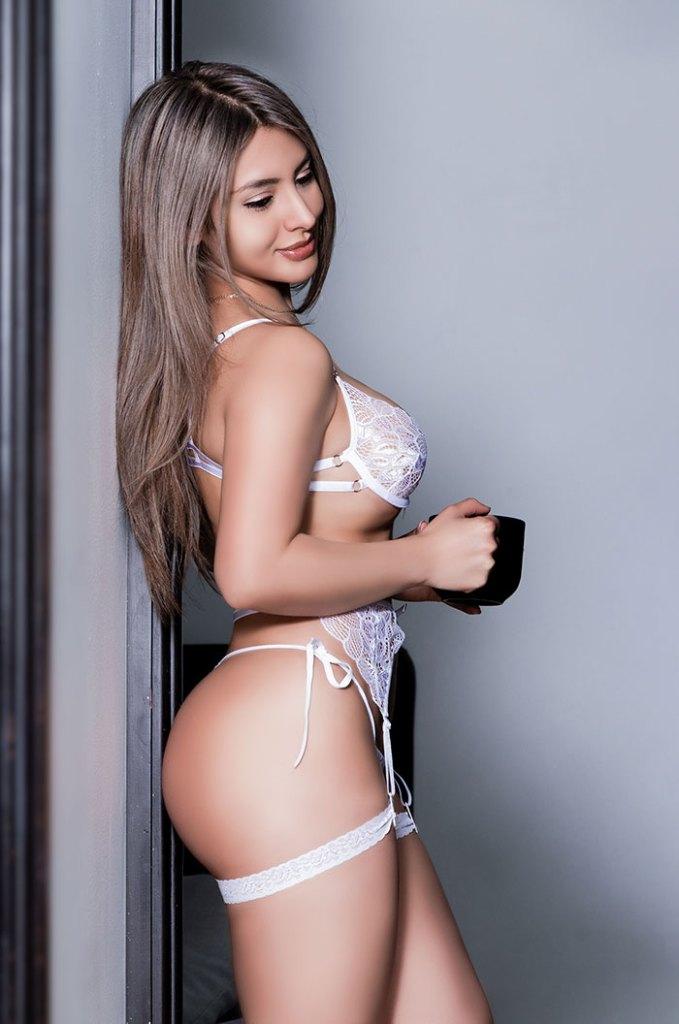 Paulina Martínez HotSweetHome