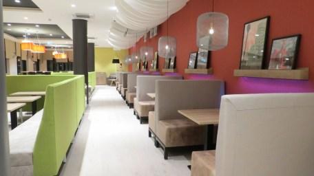 holiday-inn-dusseldorf-city-toulouser-allee_restaurant-4-neudahm-hotel-interior-design