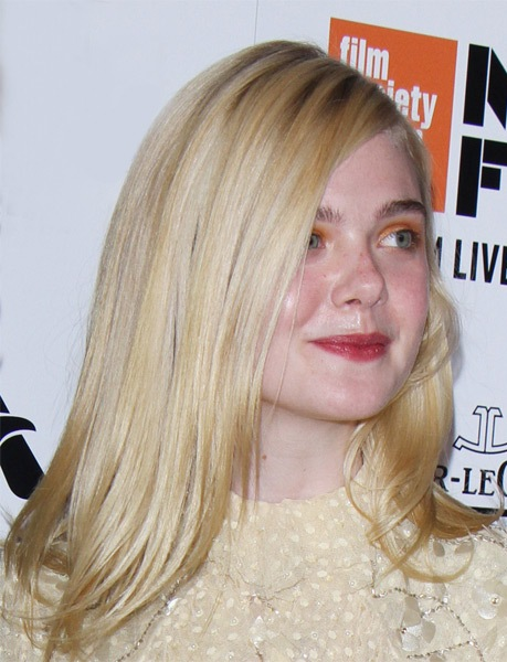 elle-fanning-long-straight-bob-hairstyle