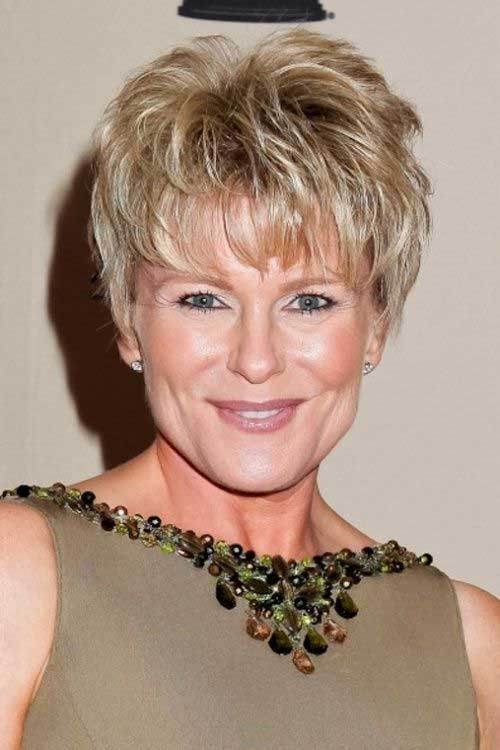 haircuts-for-women-over-50-short-hair-style