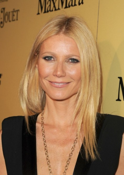 long-middle-part-hairstyle-from-gwyneth-paltrow