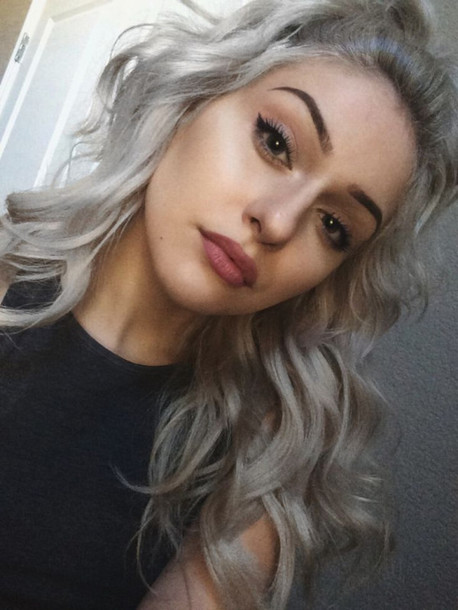 silvery-platinum-curls