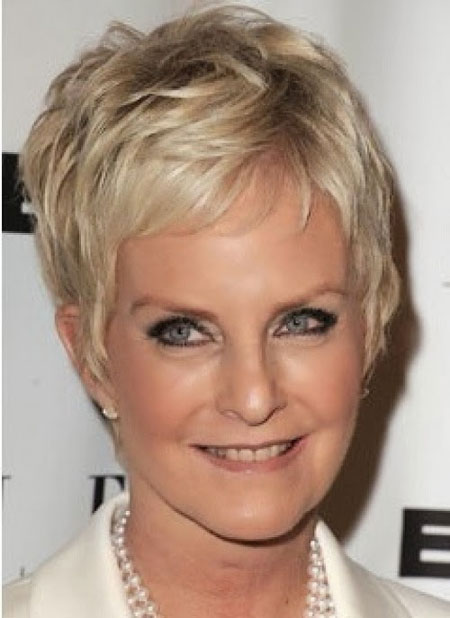 short-hairstyles-for-thin-hair-over-50