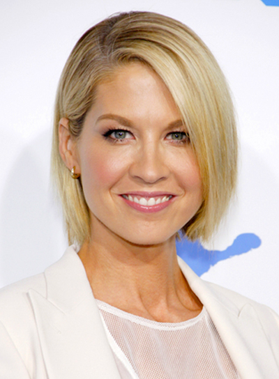 jenna-elfmans-short-straight-blonde-hairstyle