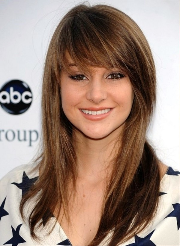 25 most superlative medium length layered hairstyles hottest cute medium layered haircuts voltagebd Choice Image