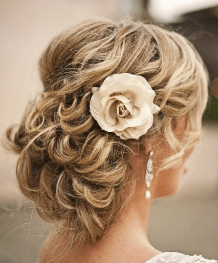 Trendy And Beautiful Beach Wedding Hairstyles Hottest Haircuts - Bridesmaid hairstyle beach