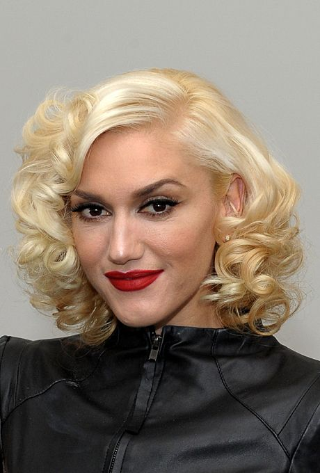 Gwen Stefani's Retro Inspired Hairstyle