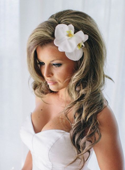 Long Hairstyle for Beach Wedding with Curls