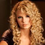 18 Superlative Medium Curly Hairstyles for Women