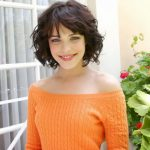 32 Short Haircuts for Wavy Hair To Look Ravishing