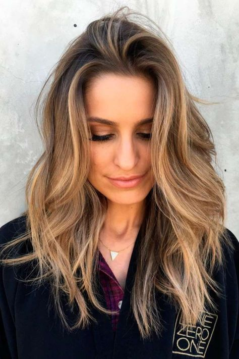 Blonde Hair with Wavy Layers