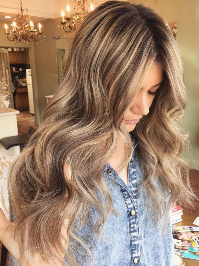Long Brown Wavy Hair with Blonde Highlights