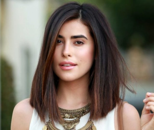 Medium Straight Hairstyles For Women To Look Attractive Haircuts Hairstyles