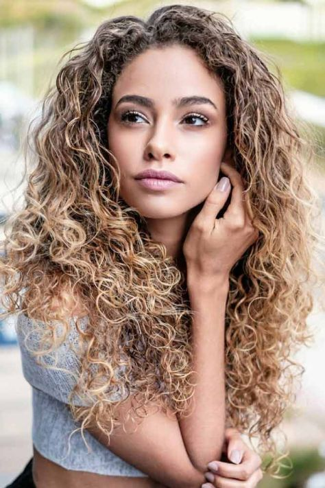 Cute Long Curly Hairstyle