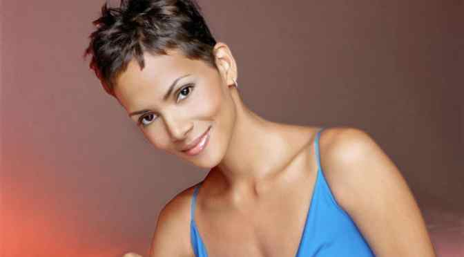 15 Pixie Hairstyles for Women Over 50