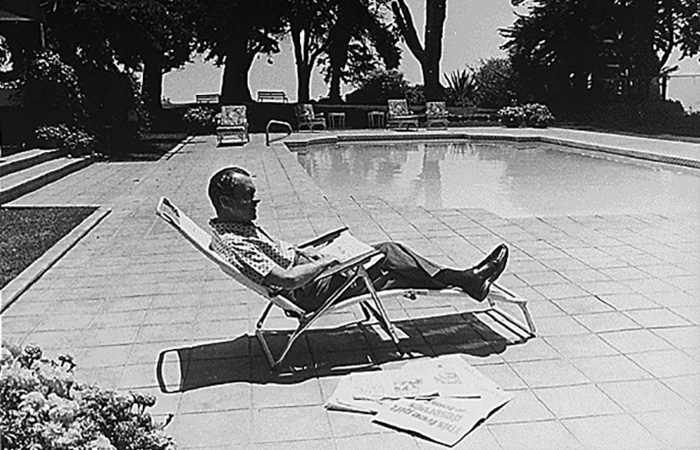 Richard Nixon sunbathing