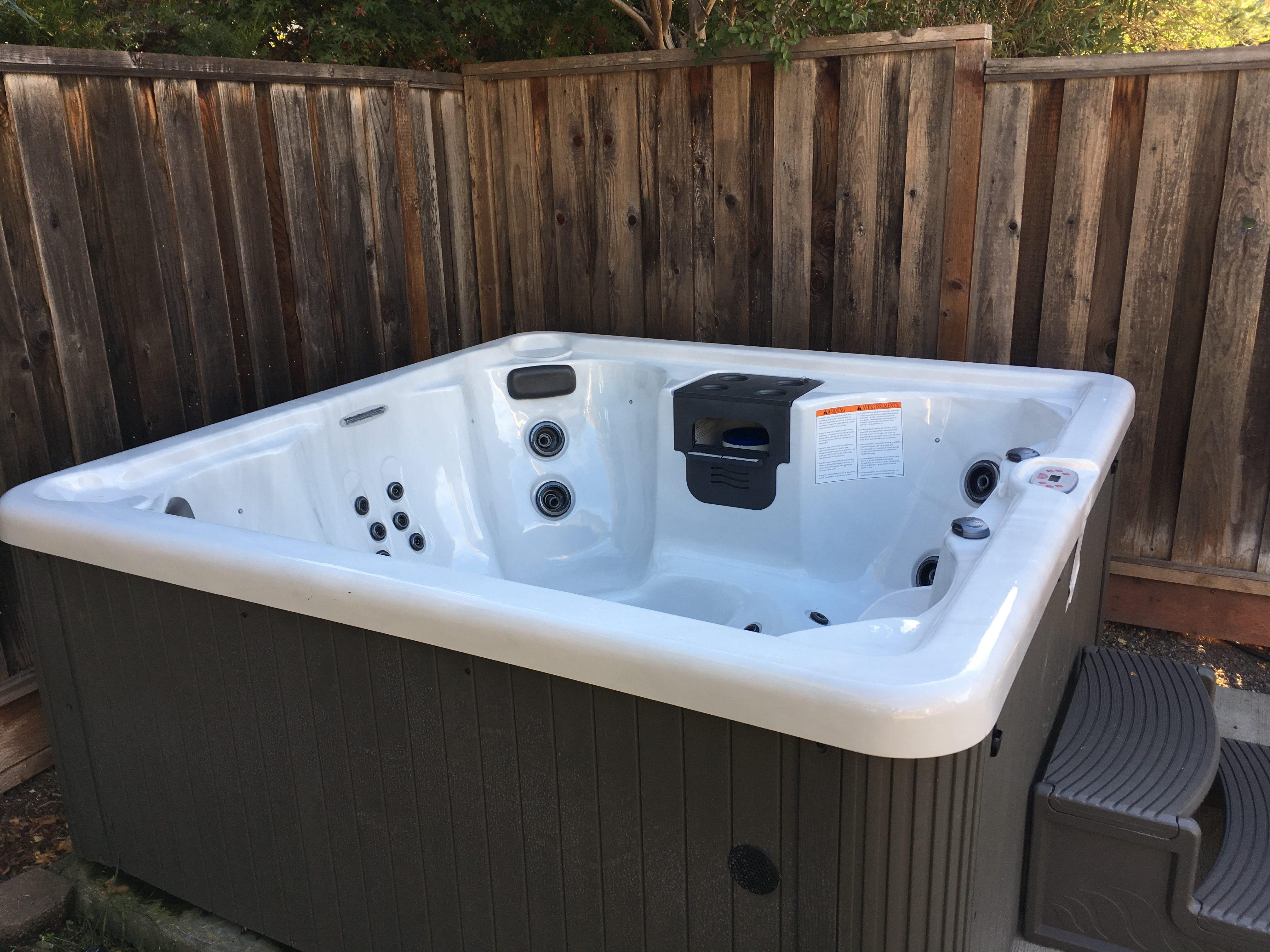 2018 Whirlpool Master Spa Hot Tub – $6400 (gilroy)