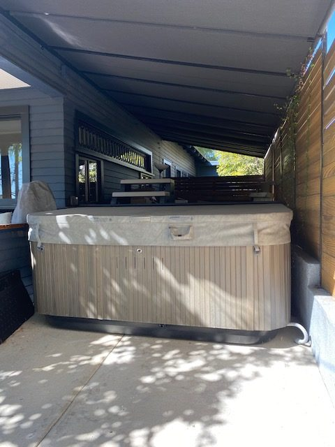 Jacuzzi J-385 – LIKE NEW – Largest Hot Tub by Jacuzzi – $8,000 (Los Angeles)