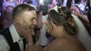 Gary Barlow performs at fan's wedding in Liverpool – BBC News
