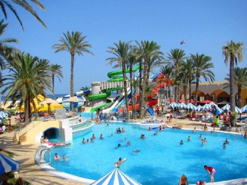 Тури в апреле в Тунис басейн