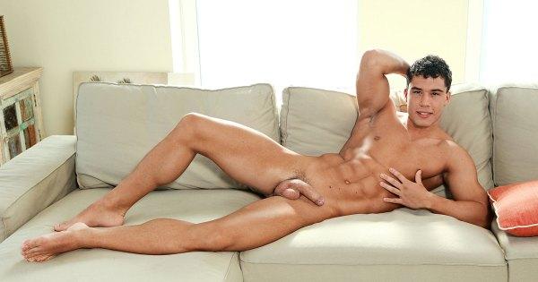 Model Of The Week: Eddie Moore