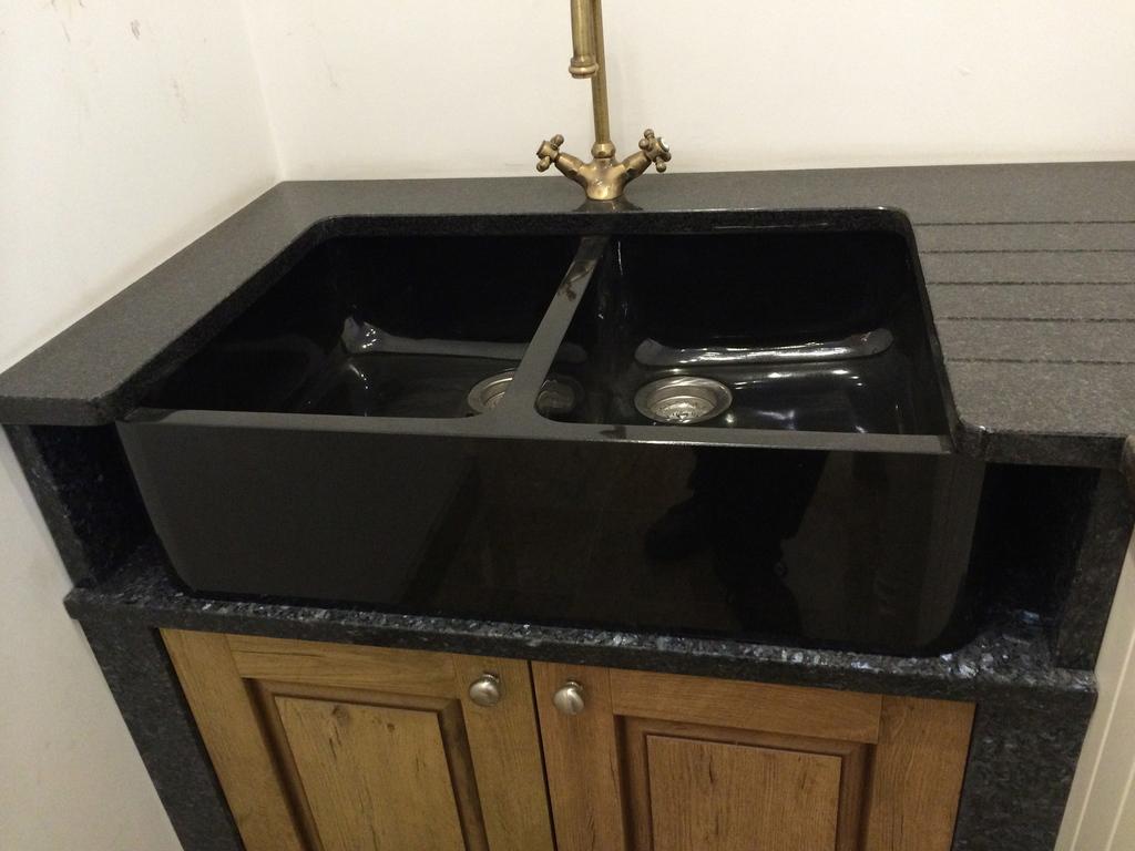 20 Reasons To Install Black Granite Belfast Sink
