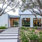 46 Awesome Farmhouse Home Exterior Design Ideas (6)