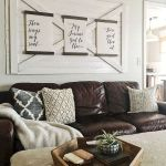 50 Cozy Farmhouse Living Room Design and Decor Ideas (42)