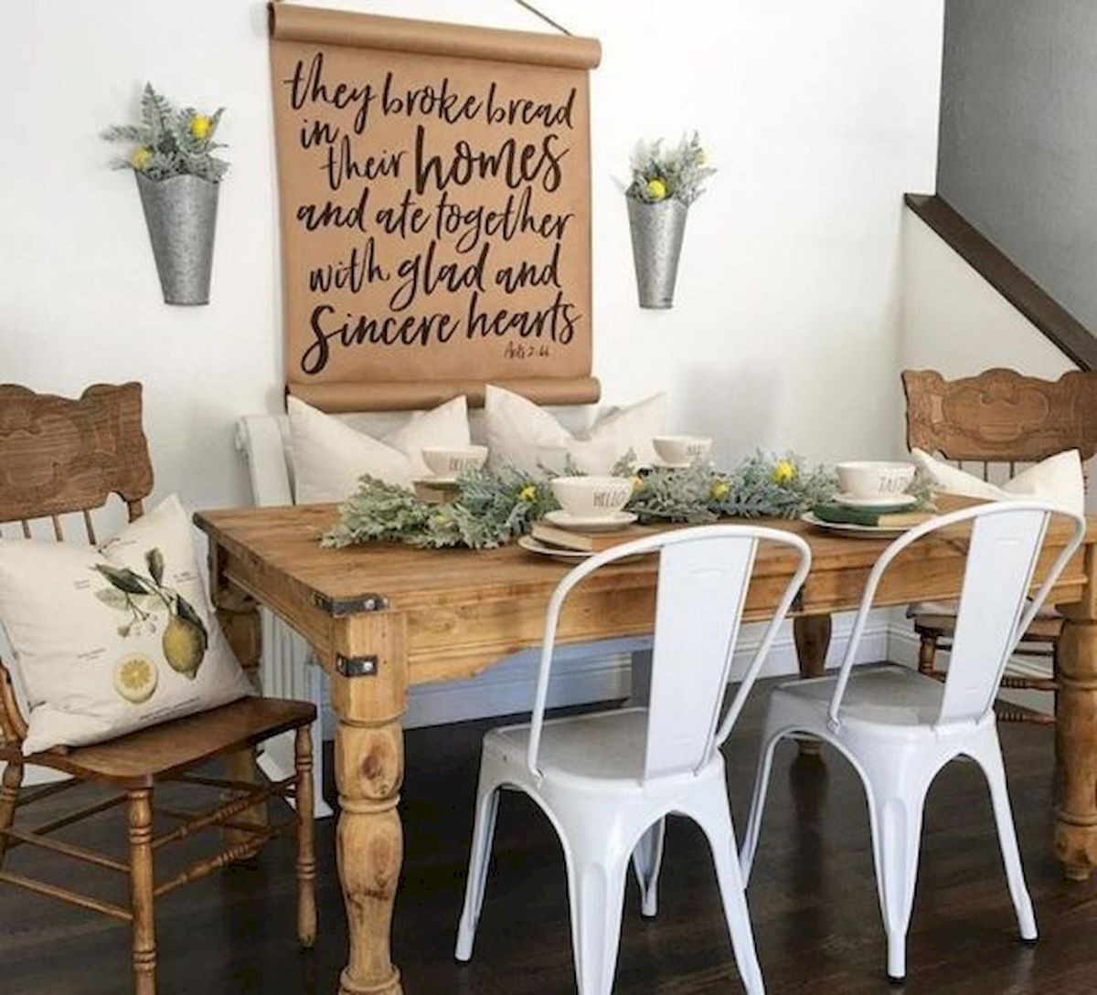50 Awesome Wall Decoration Ideas for Dinning Room (28)