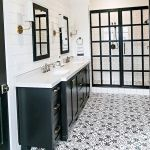 66 Cool Modern Farmhouse Bathroom Tile Ideas (1)